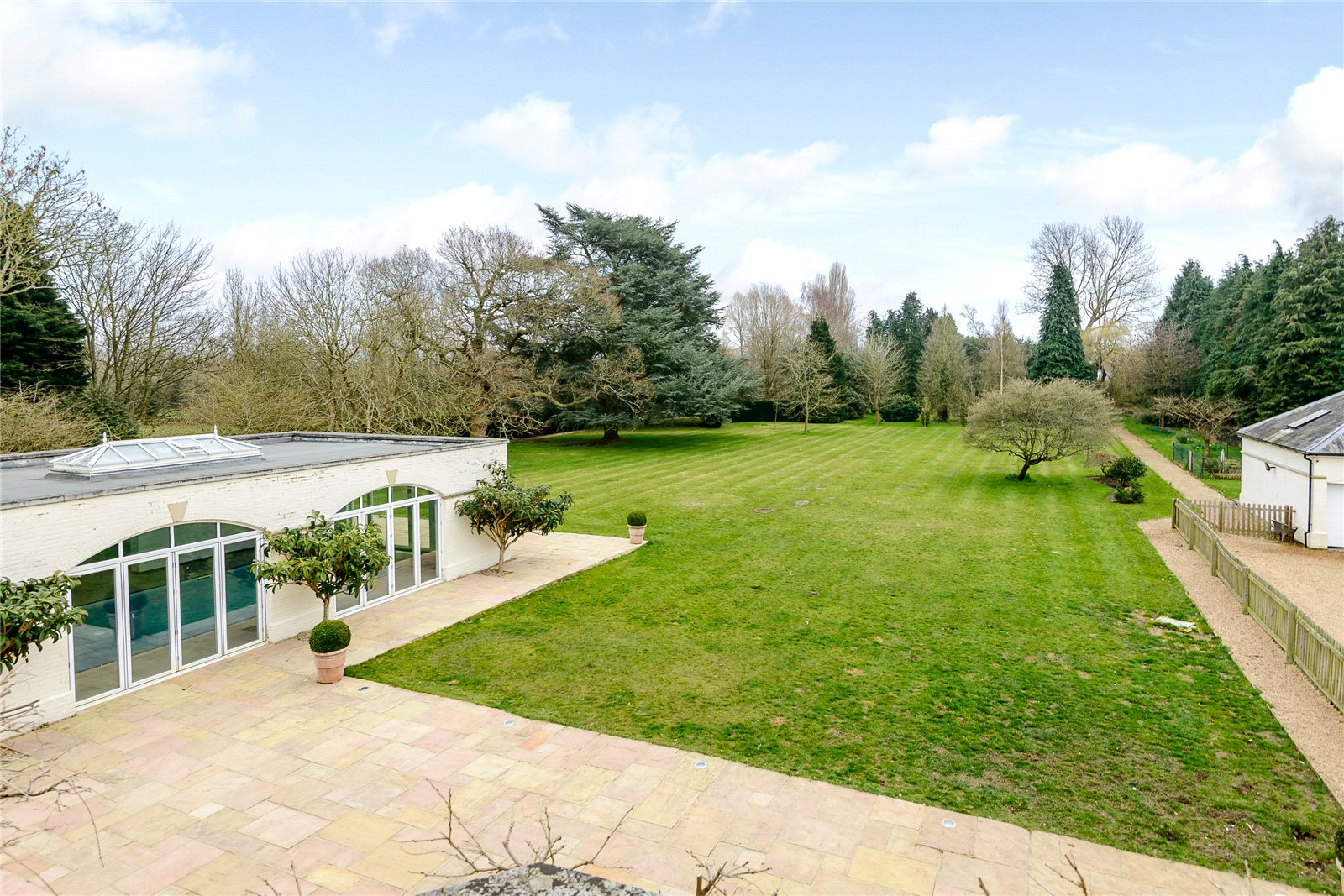 Additional photo for property listing at Winkfield Row, Winkfield, Berkshire, RG42 Winkfield, Inghilterra