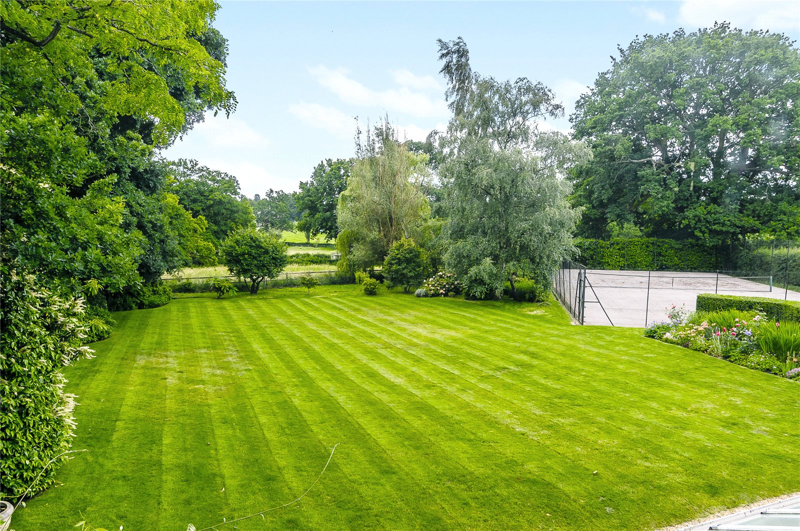 Additional photo for property listing at Winkfield Row, Winkfield Row, Bracknell, Berkshire, RG42 Bracknell, England