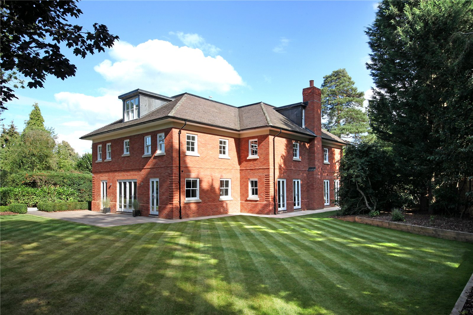 Additional photo for property listing at Windsor Road, Ascot, Berkshire, SL5 Ascot, England
