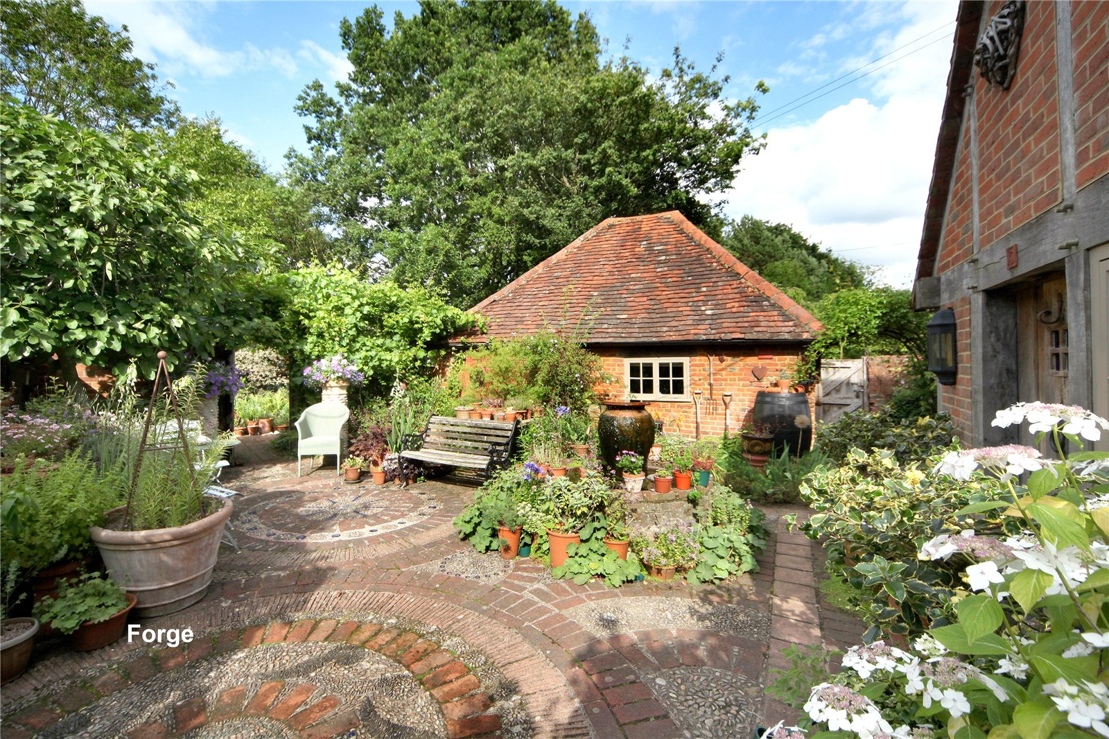 Additional photo for property listing at Murrell Hill Lane, Binfield, Berkshire, RG42 Binfield, 英格兰
