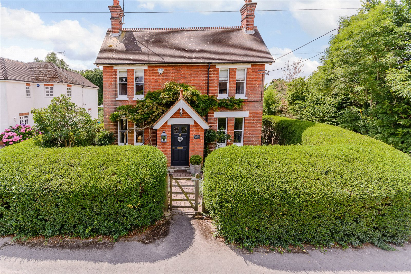 Additional photo for property listing at Woodside Road, Winkfield, Berkshire, SL4 Winkfield, イギリス