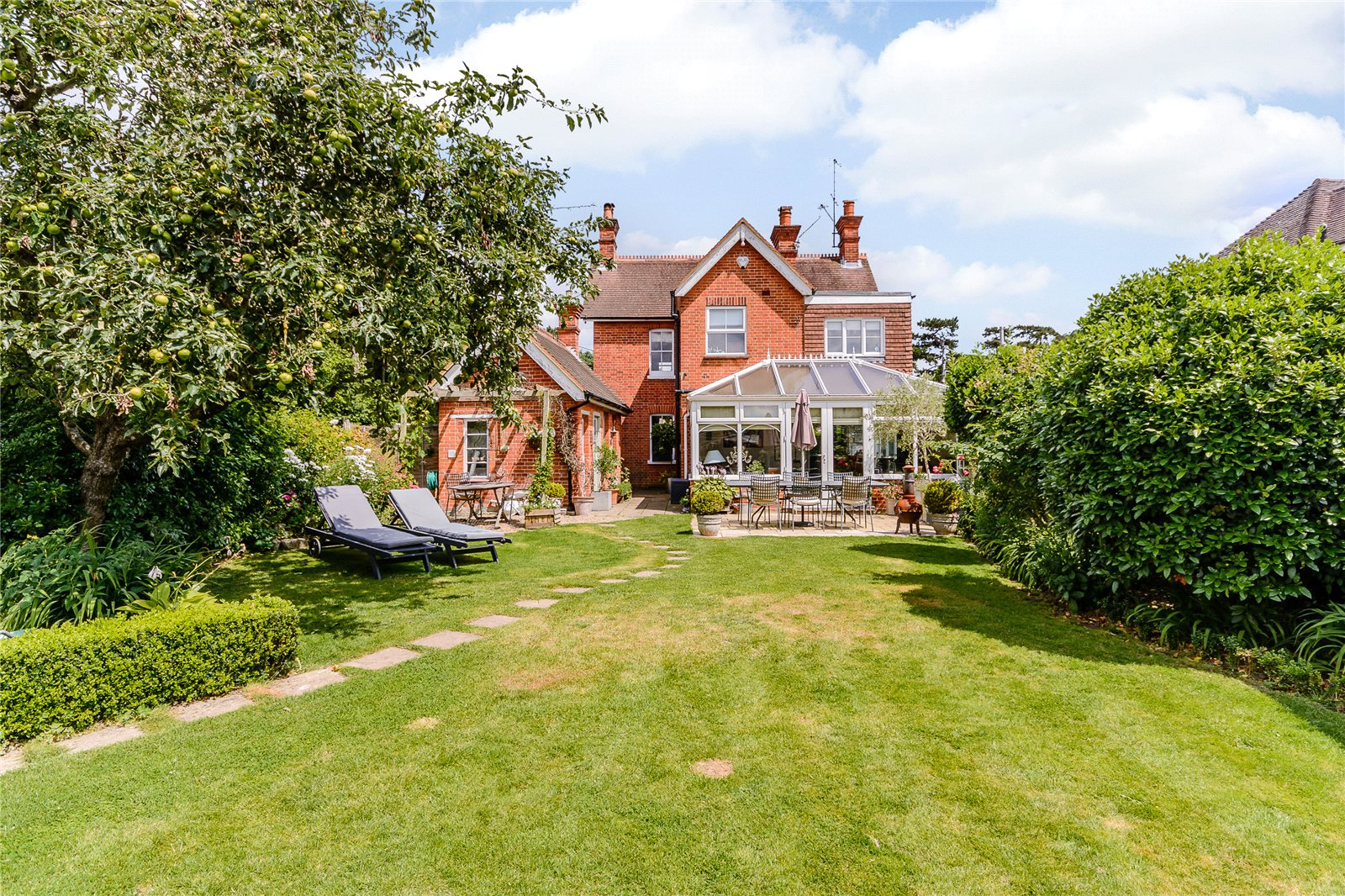 Additional photo for property listing at Woodside Road, Winkfield, Berkshire, SL4 Winkfield, Αγγλια