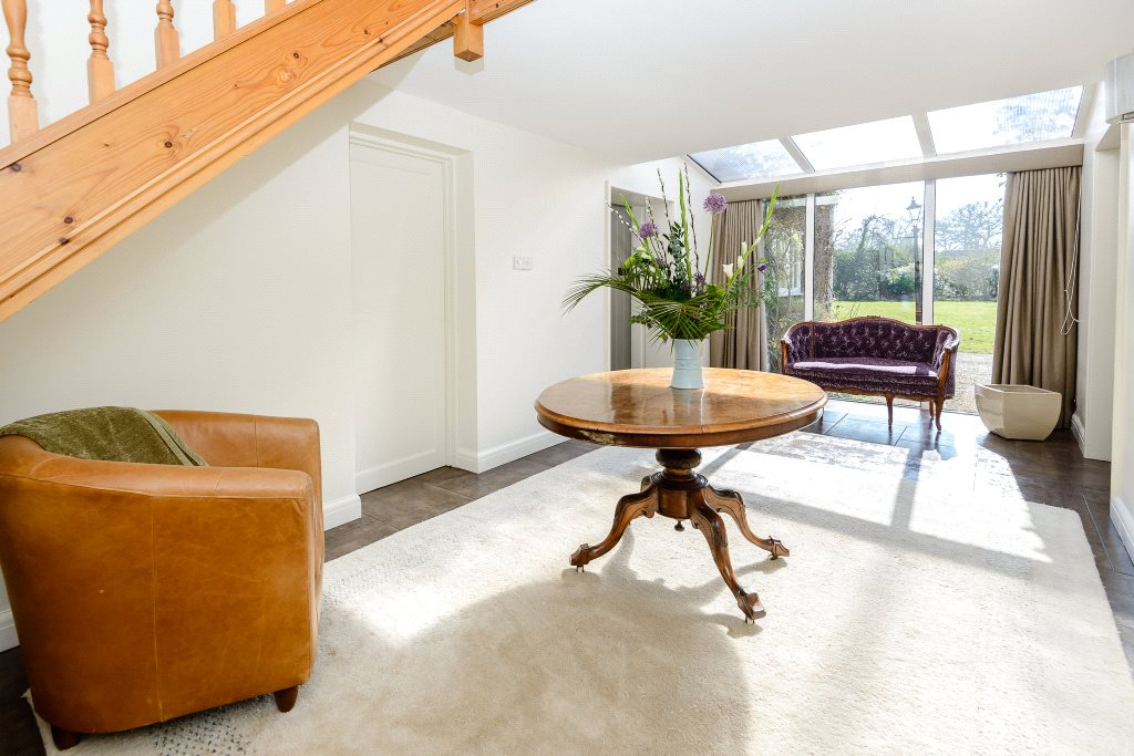 Additional photo for property listing at Winkfield Road, Ascot, Berkshire, SL5 Ascot, Ingiltere