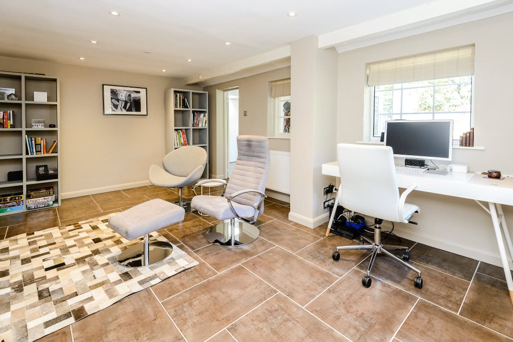 Additional photo for property listing at Winkfield Road, Ascot, Berkshire, SL5 Ascot, Angleterre