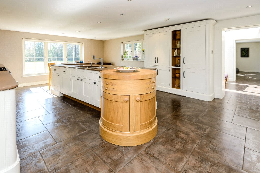 Additional photo for property listing at Winkfield Road, Ascot, Berkshire, SL5 Ascot, Inglaterra