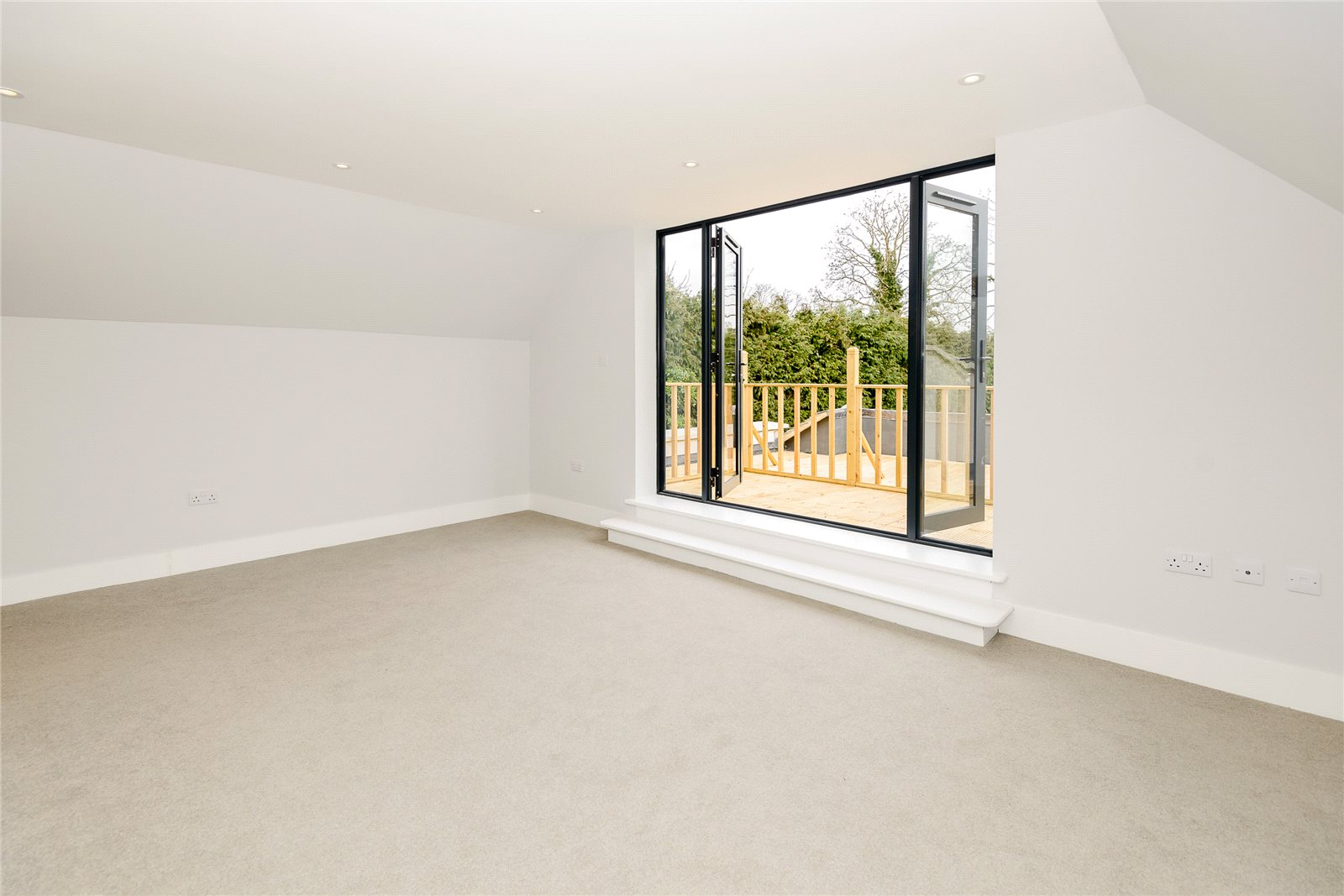 Additional photo for property listing at The Friary, Old Windsor, Berkshire, SL4 Old Windsor, 영국
