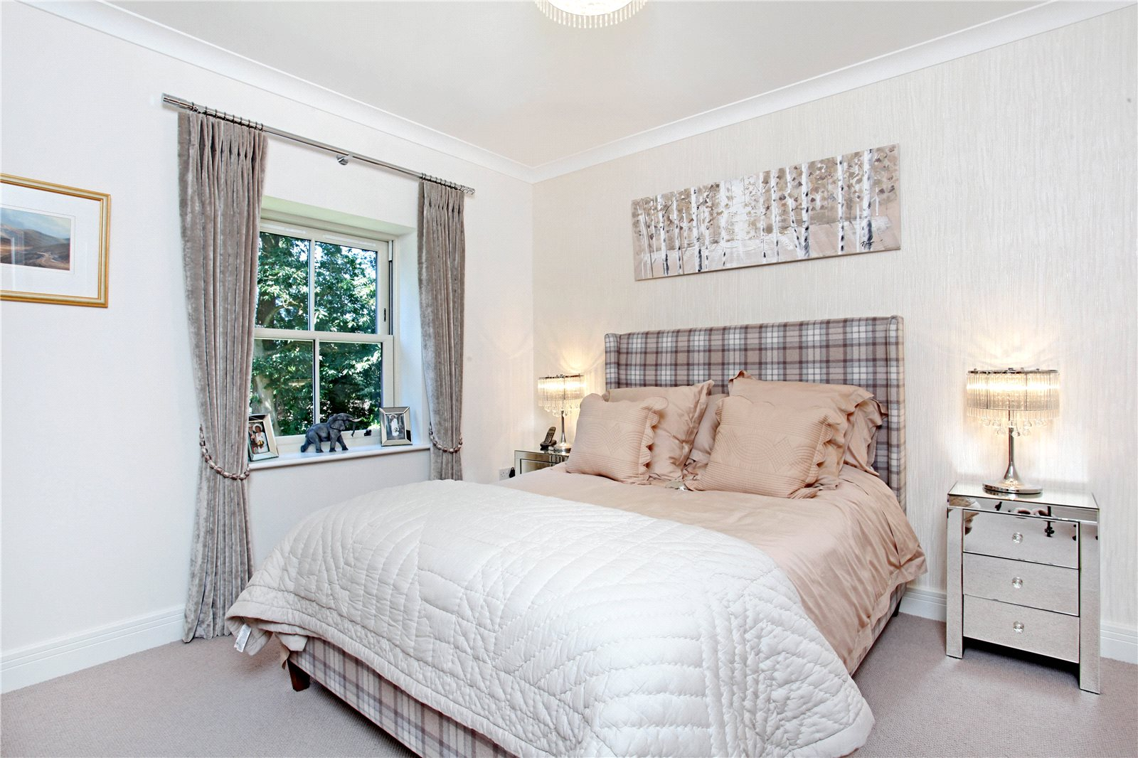 Additional photo for property listing at Queensbury Gardens, Ascot, Berkshire, SL5 Ascot, Angleterre