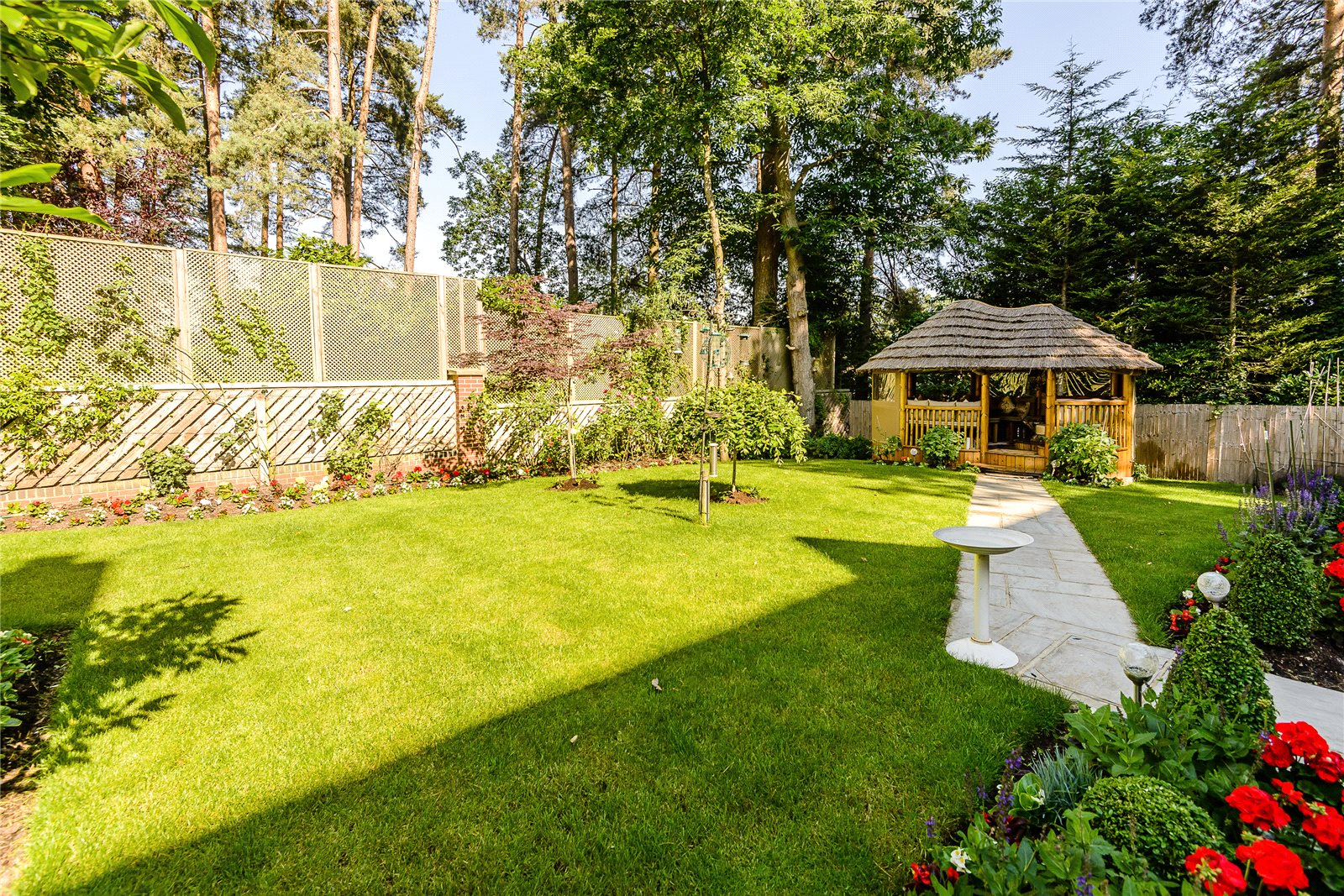Additional photo for property listing at Queensbury Gardens, Ascot, Berkshire, SL5 Ascot, Inglaterra
