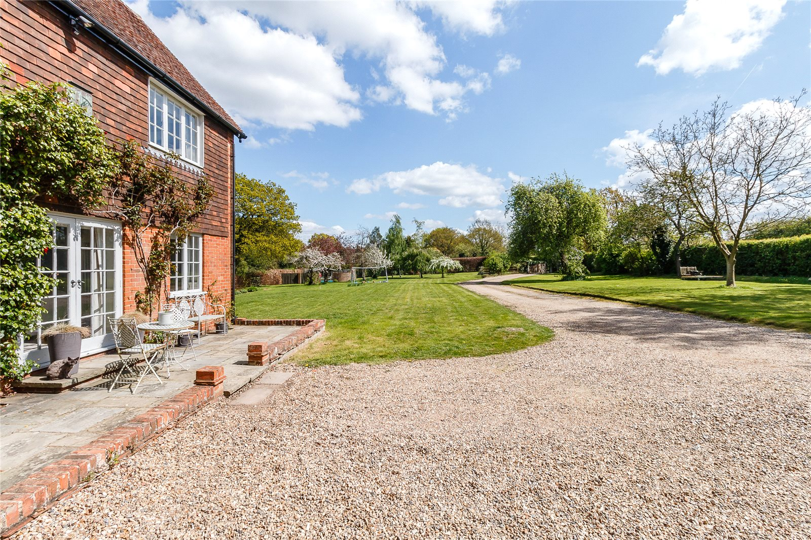 Additional photo for property listing at Sheepcote Lane, Paley Street, Nr Maidenhead, Berkshire, SL6 Berkshire, Ingiltere