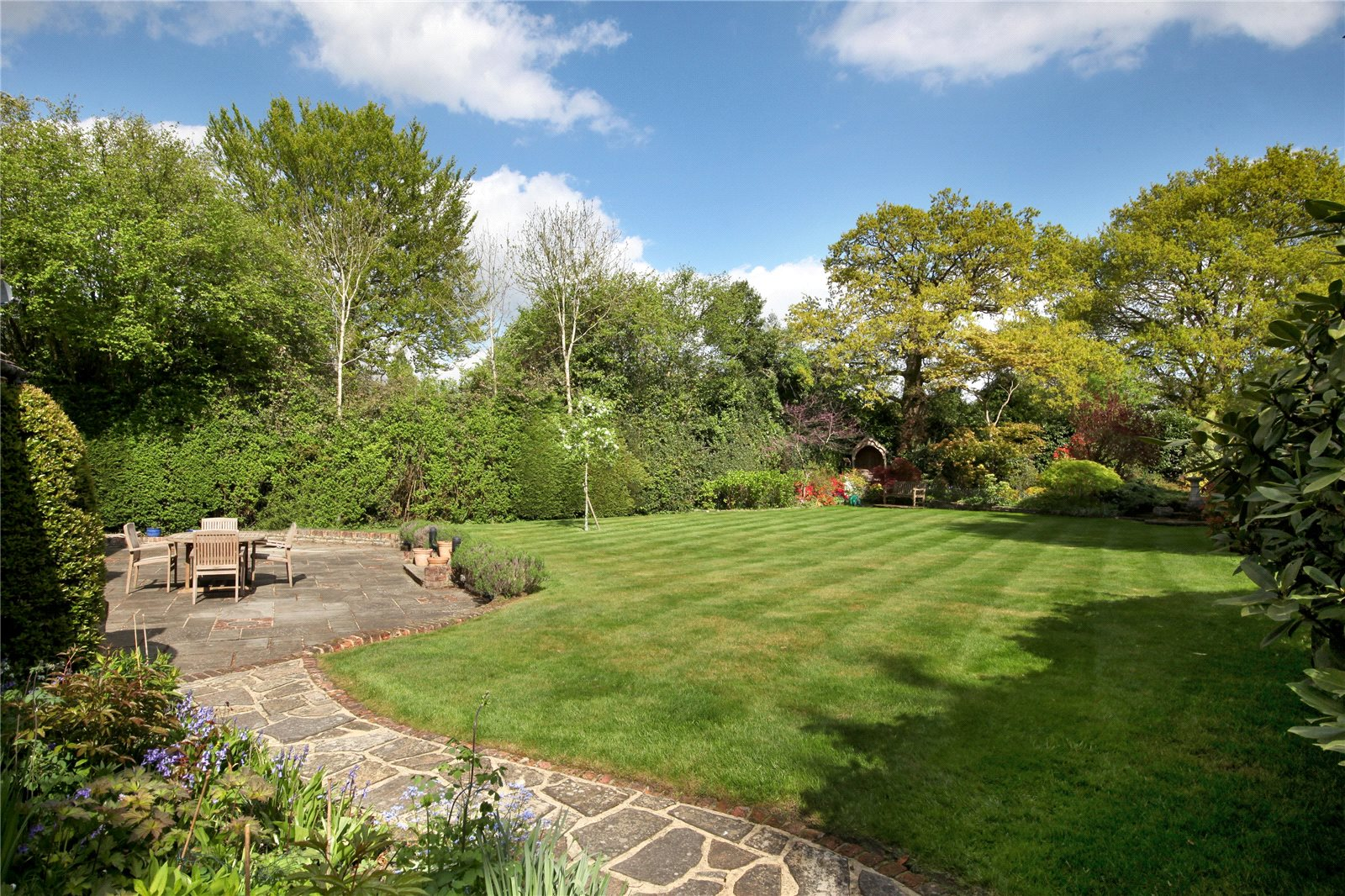 Additional photo for property listing at Church Road, Windlesham, Surrey, GU20 Windlesham, 英格蘭