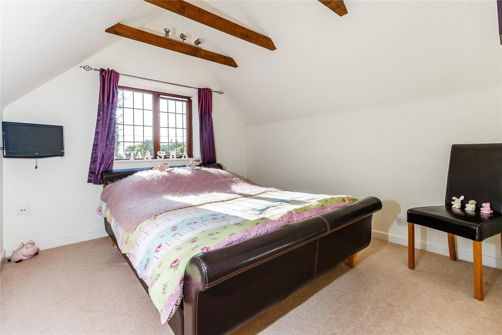 Additional photo for property listing at St Mark's Road, Binfield, Bracknell, Berkshire, RG42 Bracknell, England