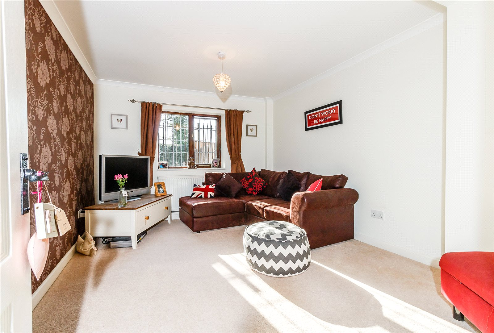 Additional photo for property listing at St Mark's Road, Binfield, Bracknell, Berkshire, RG42 Bracknell, Angleterre