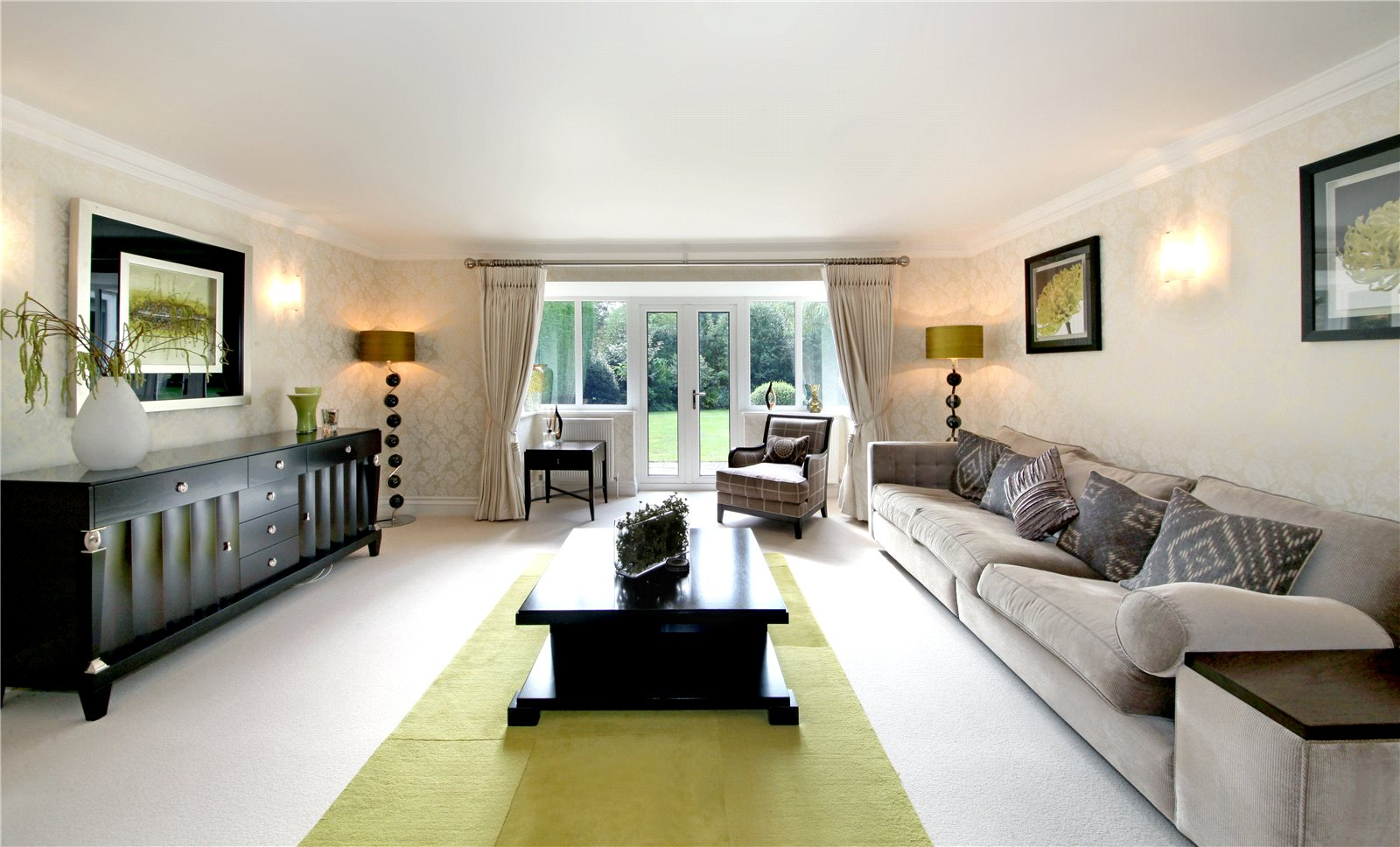 Additional photo for property listing at Christchurch Road, Virginia Water, Surrey, GU25 Virginia Water, Anh Quốc