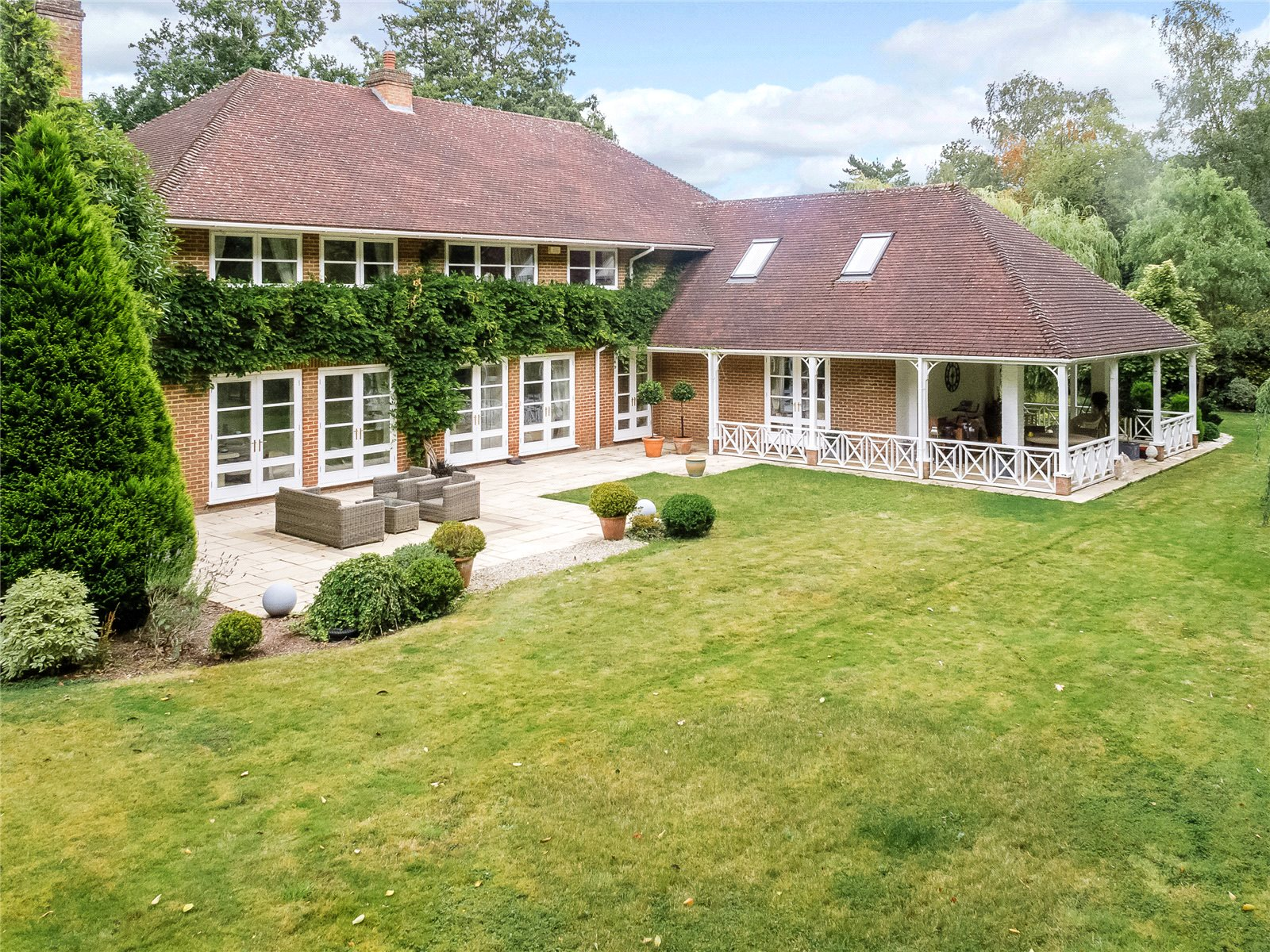 Additional photo for property listing at Bagshot Road, Ascot, Berkshire, SL5 Ascot, Англия
