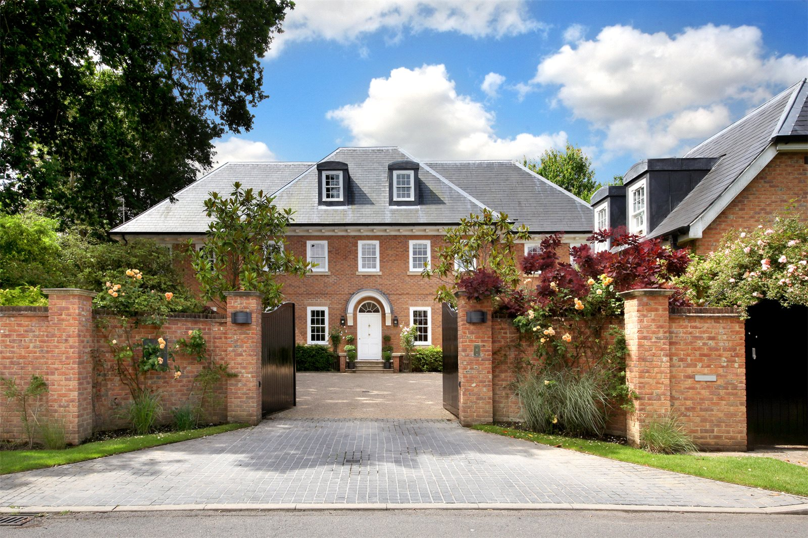 Single Family Home for Sale at Priory Road, Sunningdale, Berkshire, SL5 Sunningdale, England