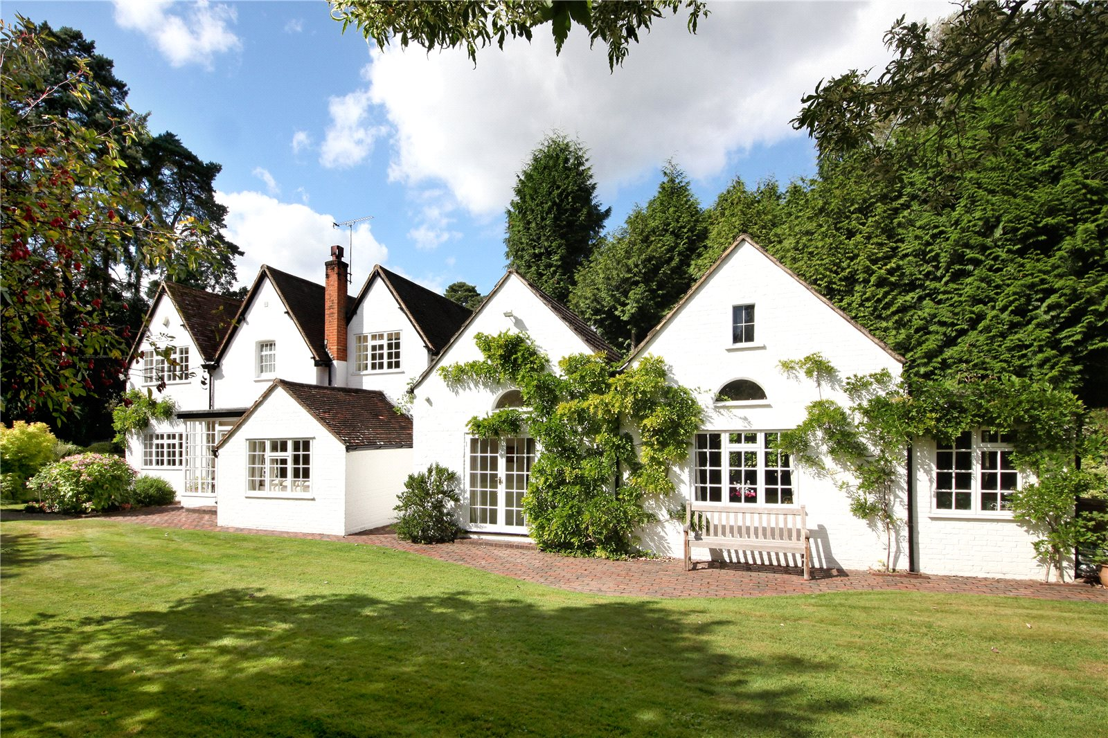 独户住宅 为 销售 在 Westwood Road, Windlesham, Surrey, GU20 Windlesham, 英格兰