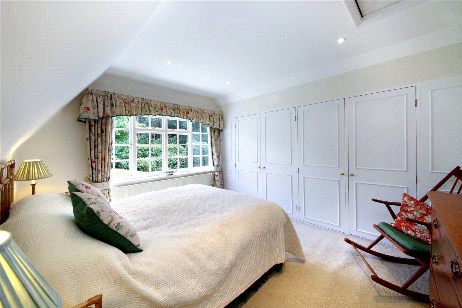 Additional photo for property listing at Westwood Road, Windlesham, Surrey, GU20 Windlesham, Angleterre