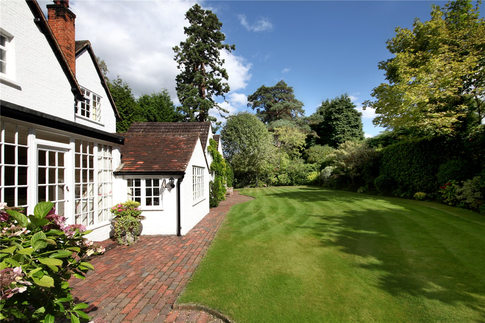 Additional photo for property listing at Westwood Road, Windlesham, Surrey, GU20 Windlesham, England