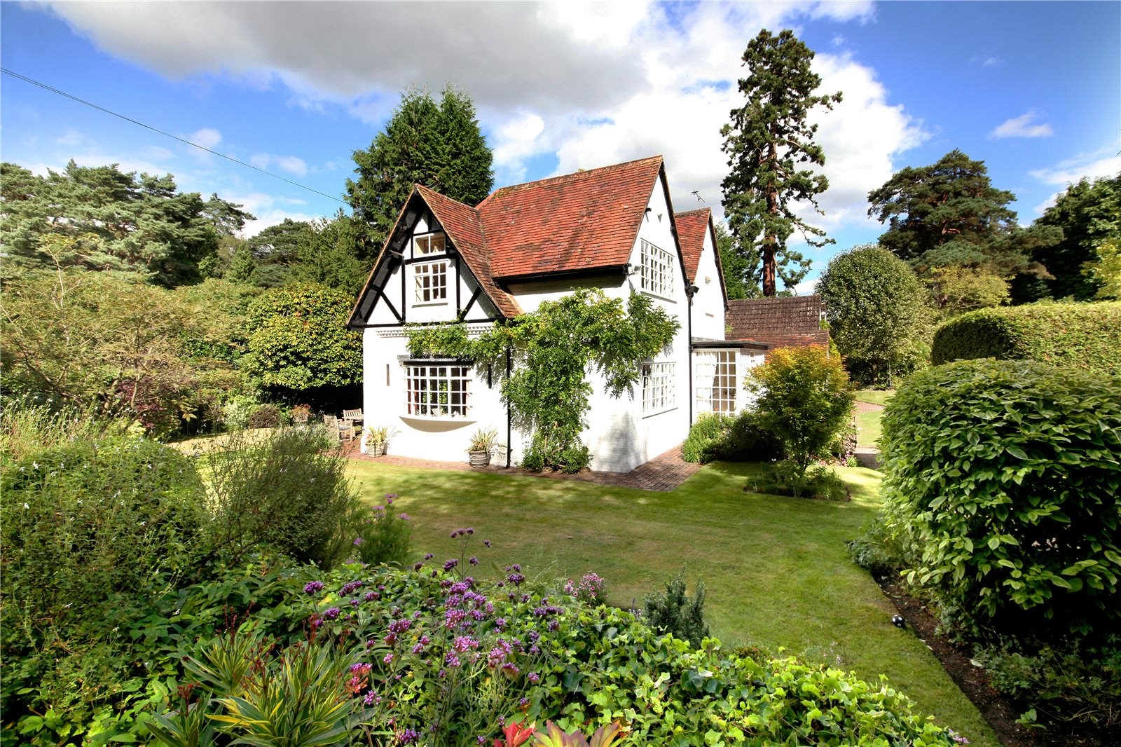 Additional photo for property listing at Westwood Road, Windlesham, Surrey, GU20 Windlesham, 英格蘭