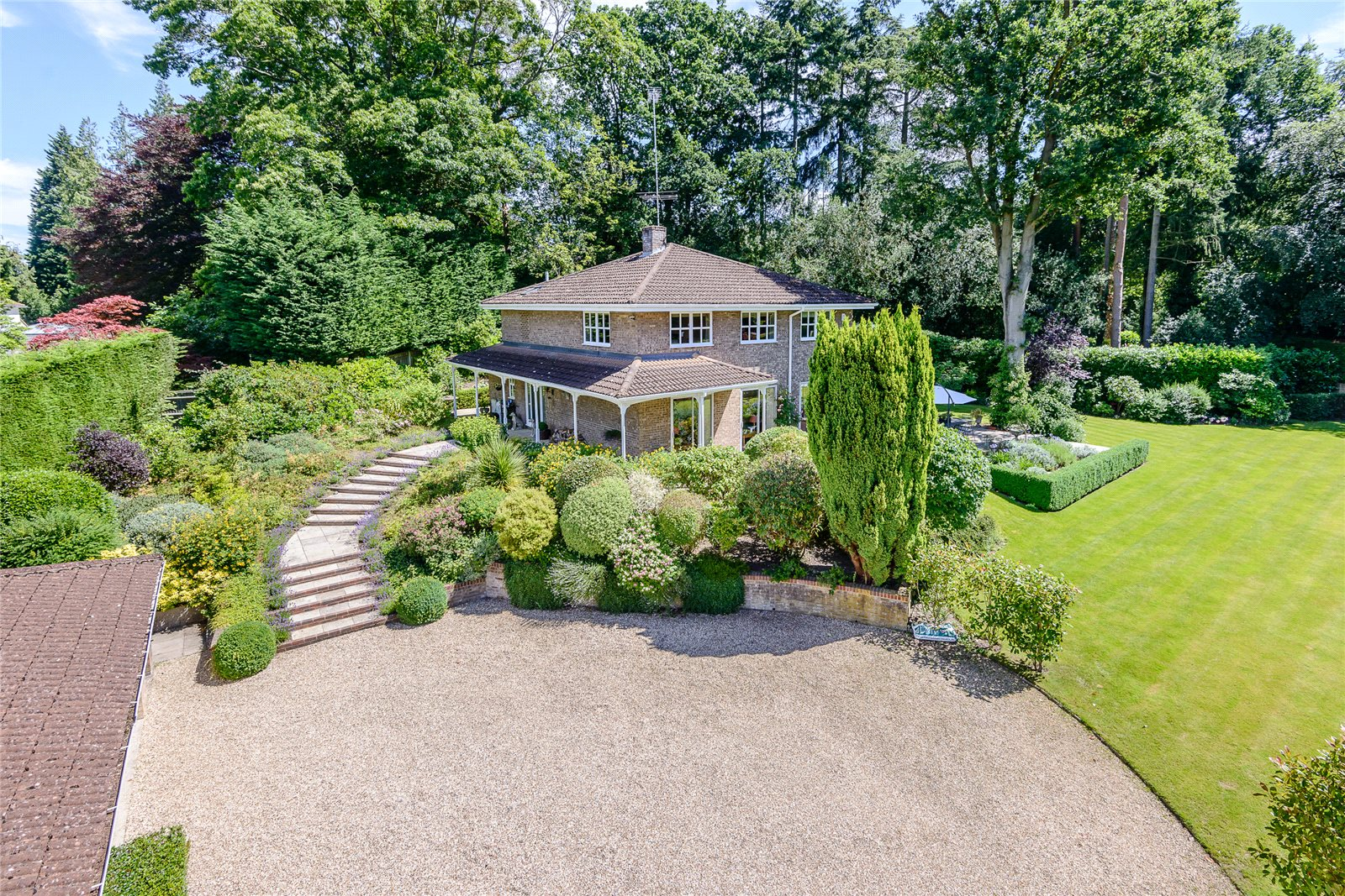 Additional photo for property listing at Richmondwood, Ascot, Berkshire, SL5 Ascot, England