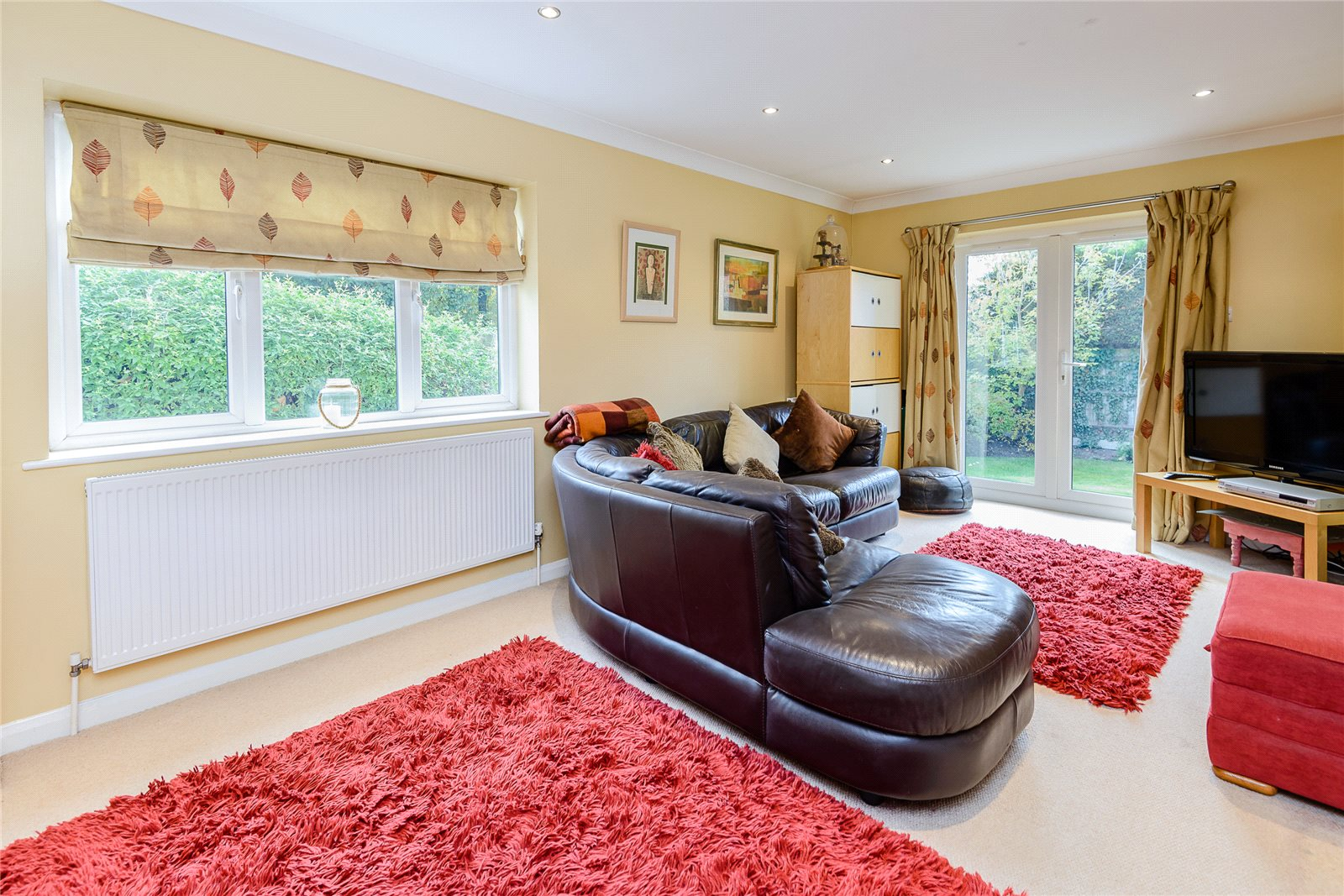 Additional photo for property listing at Snows Paddock, Windlesham, Surrey, GU20 Windlesham, England