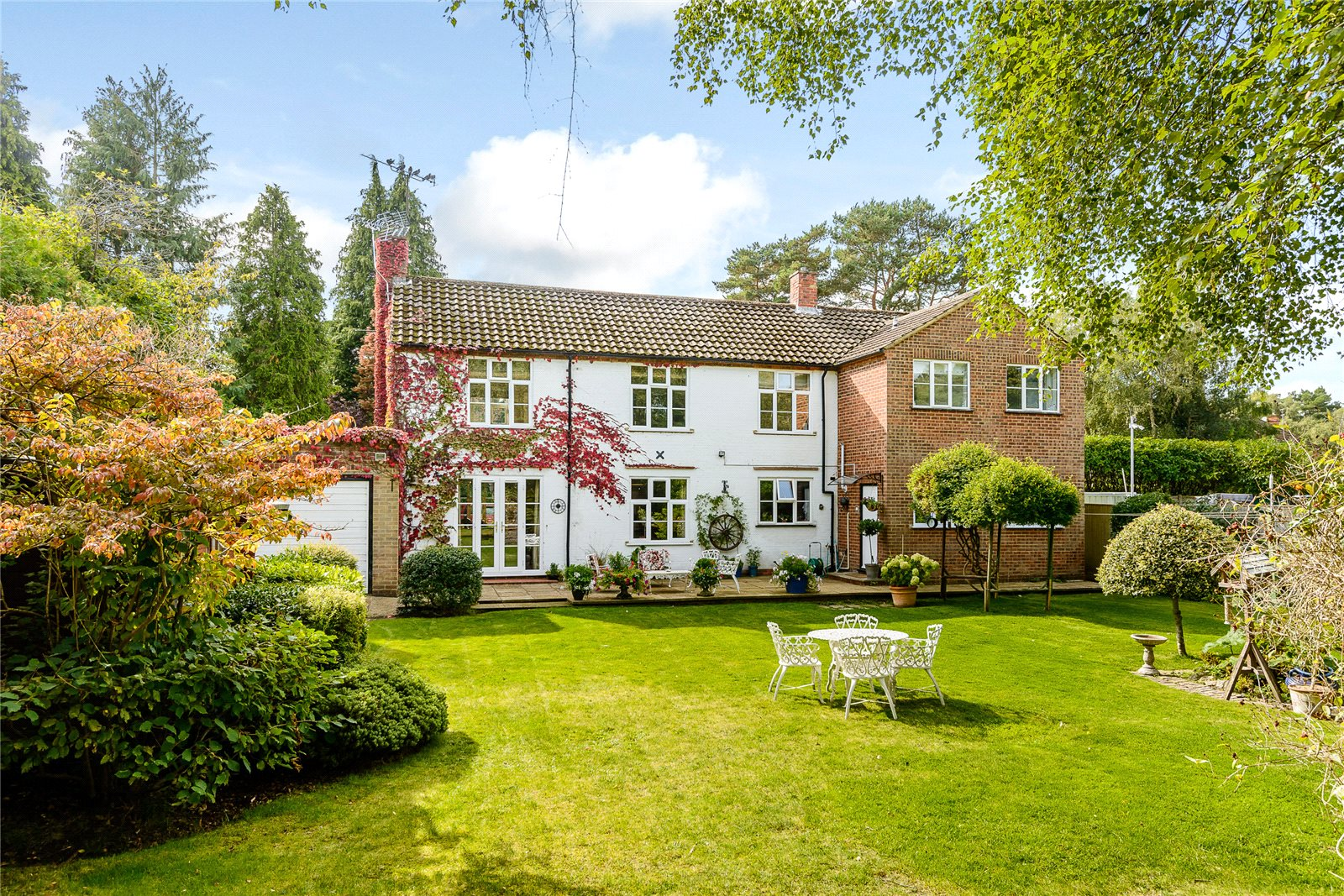 Additional photo for property listing at Llanvair Drive, Ascot, Berkshire, SL5 Ascot, 영국