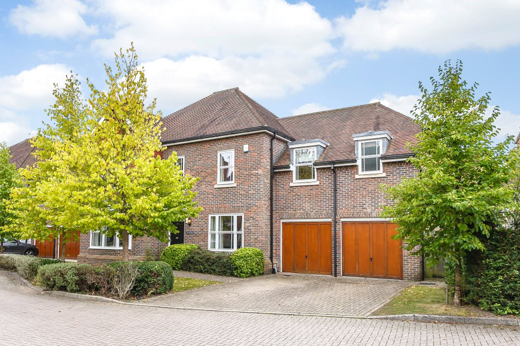 Additional photo for property listing at Highgrove Avenue, Ascot, Berkshire, SL5 Ascot, Anh Quốc