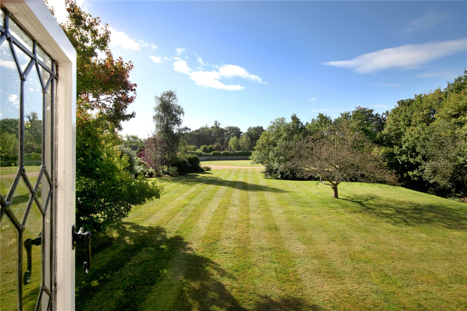 Additional photo for property listing at Malt Hill, Warfield, Berkshire, RG42 Berkshire, Αγγλια
