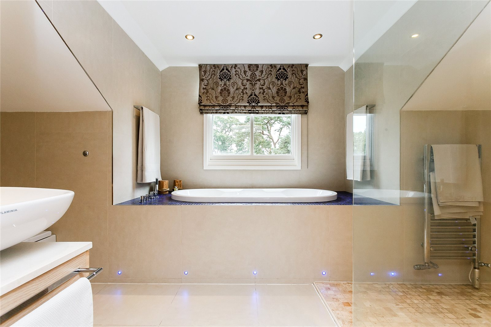 Additional photo for property listing at Upper Village Road, Ascot, Berkshire, SL5 Ascot, Anh Quốc