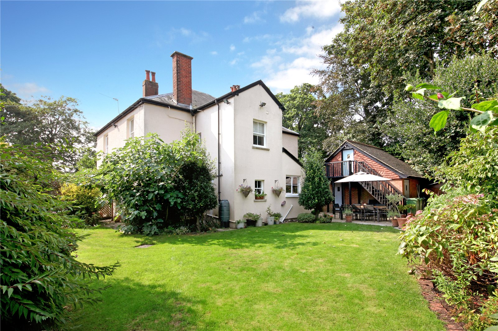 Additional photo for property listing at School Lane, Bagshot, Surrey, GU19 Bagshot, Inghilterra