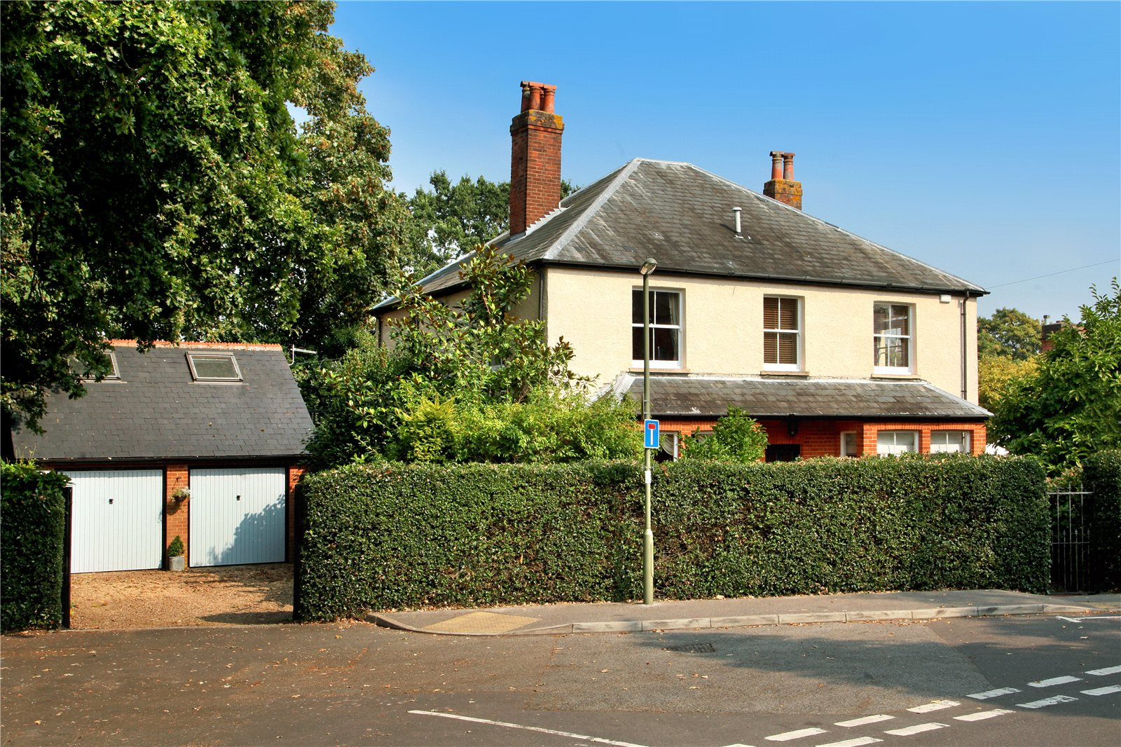 Additional photo for property listing at School Lane, Bagshot, Surrey, GU19 Bagshot, Αγγλια