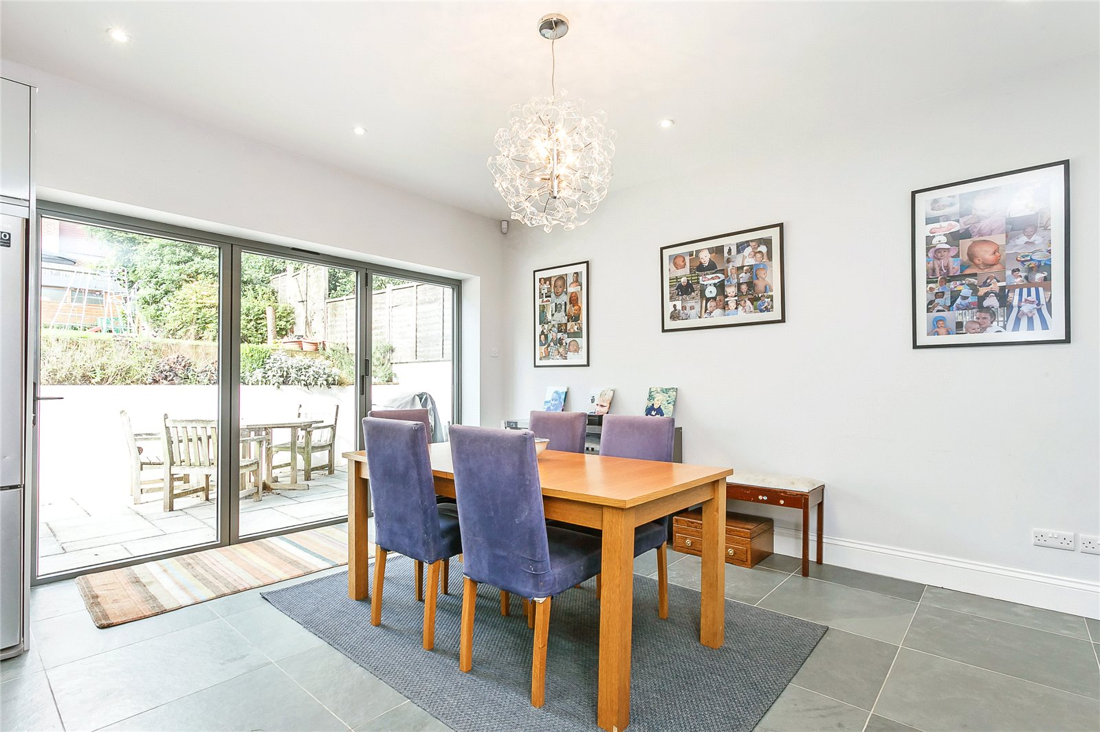 Additional photo for property listing at Laburnham Road, Maidenhead, Berkshire, SL6 Maidenhead, Ingiltere