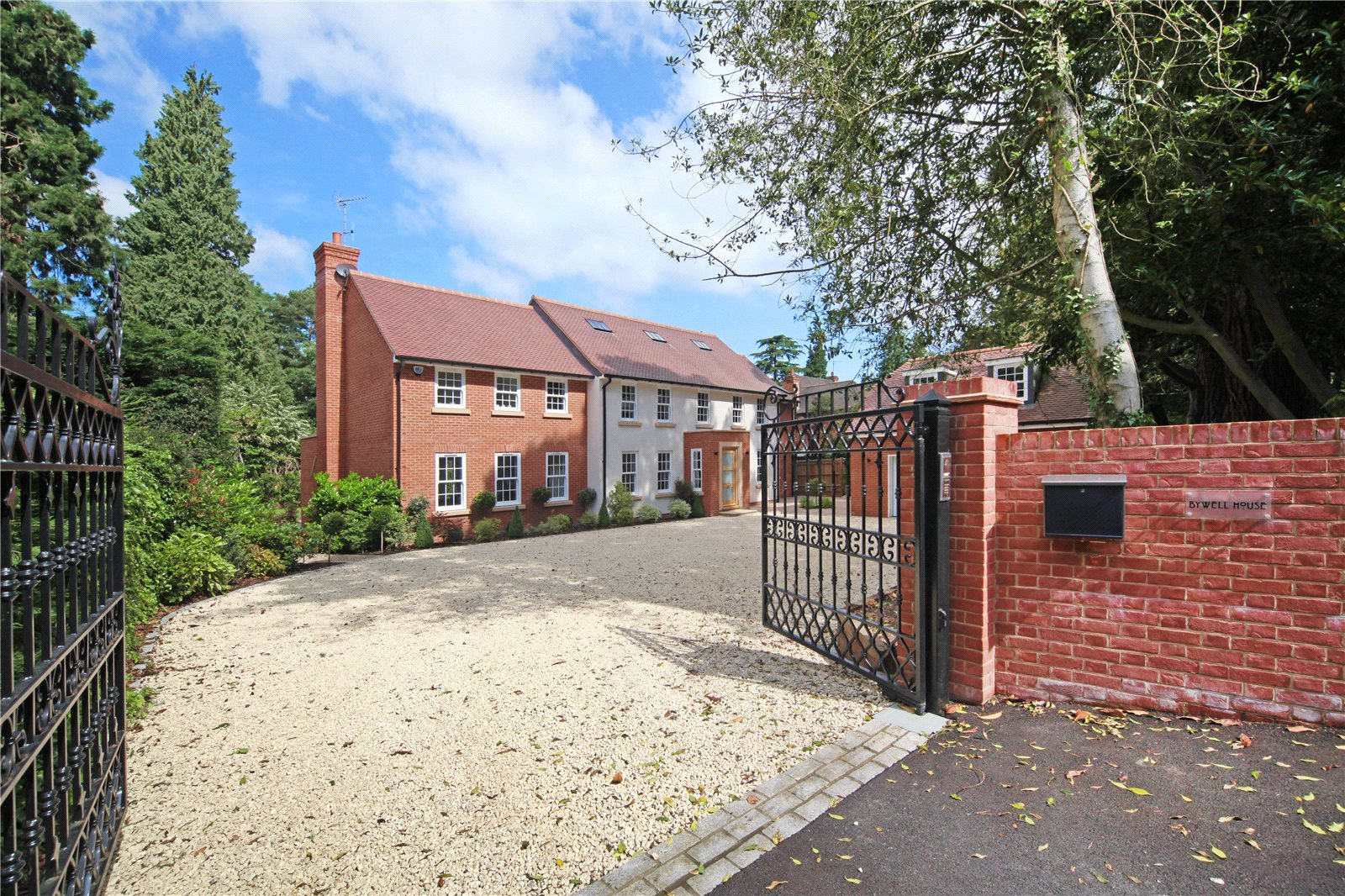 Additional photo for property listing at St. Marys Hill, Ascot, Berkshire, SL5 Ascot, Англия