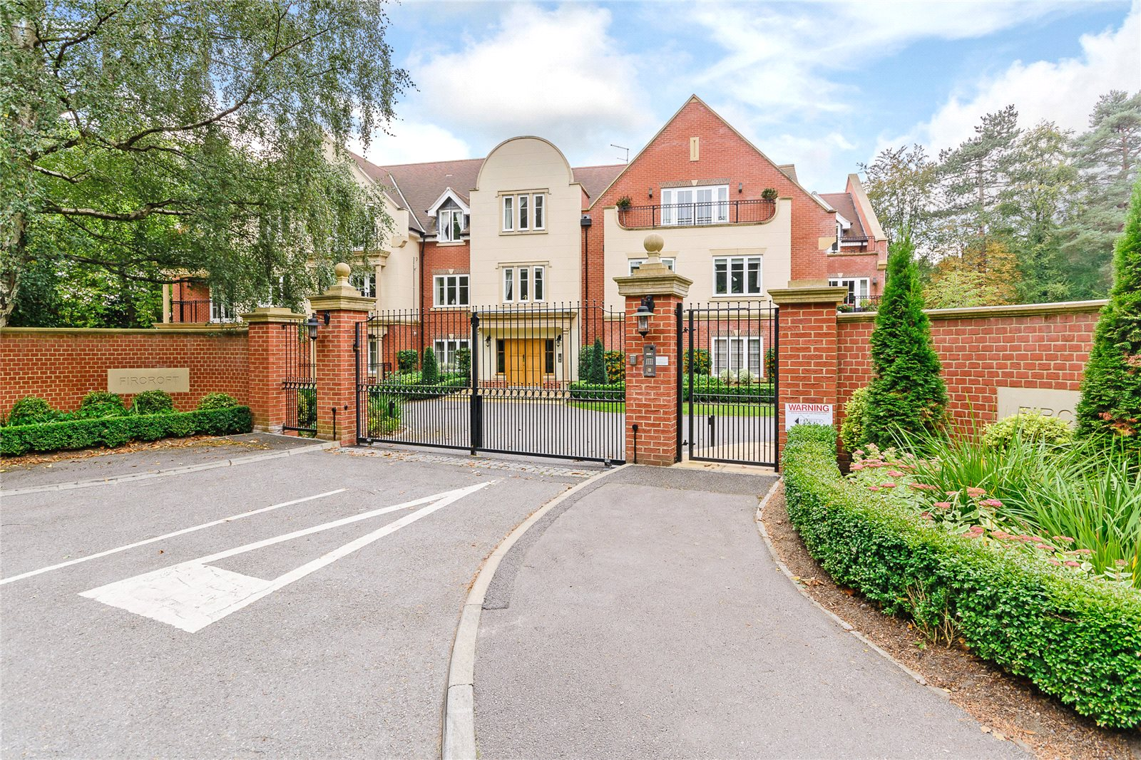Apartments / Residences for Sale at Devenish Road, Sunningdale, Ascot, Berkshire, SL5 Ascot, England