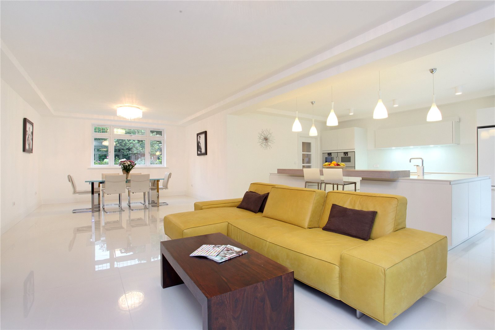 Additional photo for property listing at Queens Hill Rise, Ascot, Berkshire, SL5 Ascot, Engeland