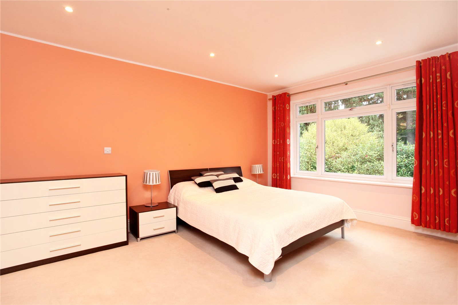 Additional photo for property listing at Queens Hill Rise, Ascot, Berkshire, SL5 Ascot, England