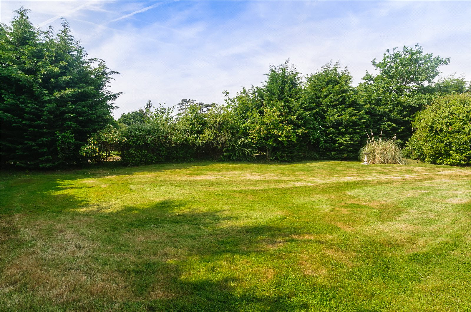 Additional photo for property listing at Forest Road, Warfield, Berkshire, RG42 Warfield, England