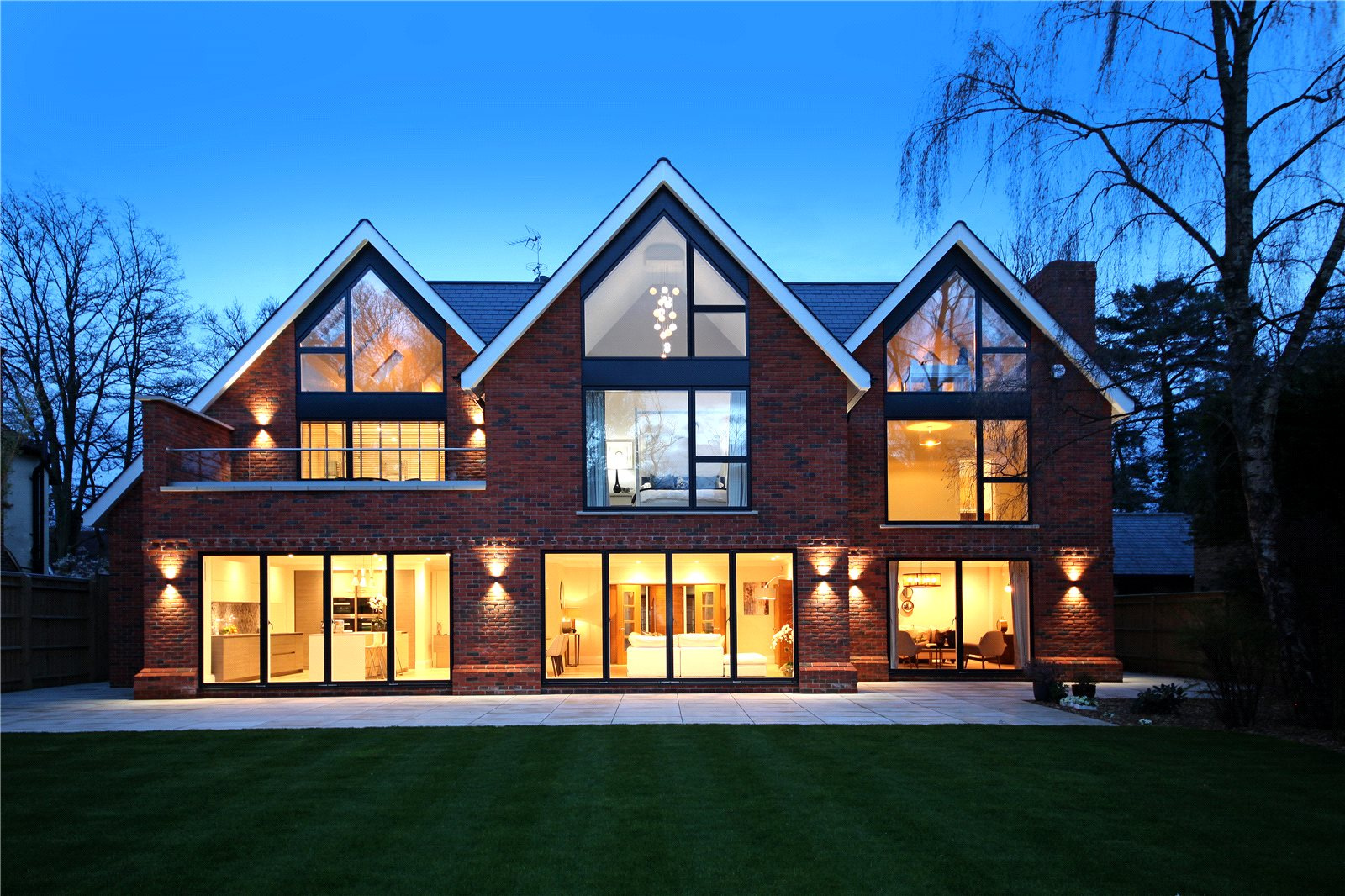 Single Family Home for Sale at Larch Avenue, Sunninghill, Ascot, Berkshire, SL5 Ascot, England