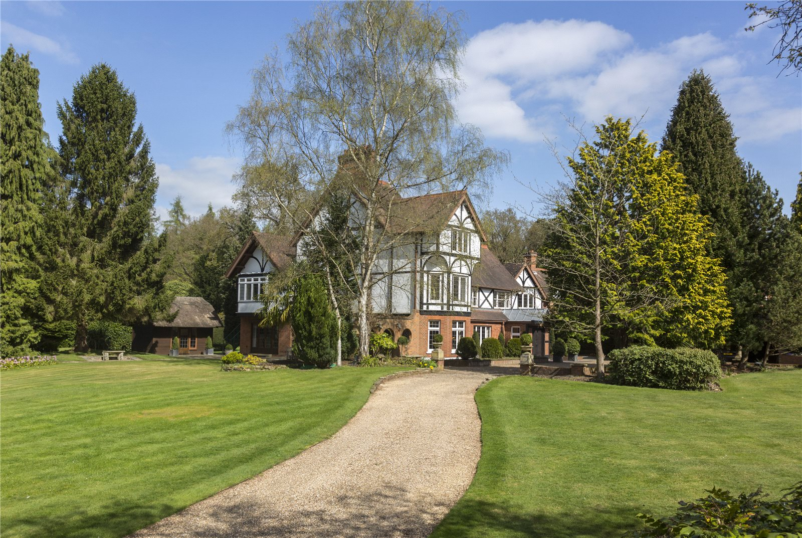 Additional photo for property listing at Bishopsgate Road, Englefield Green, Egham, Surrey, TW20 Egham, England