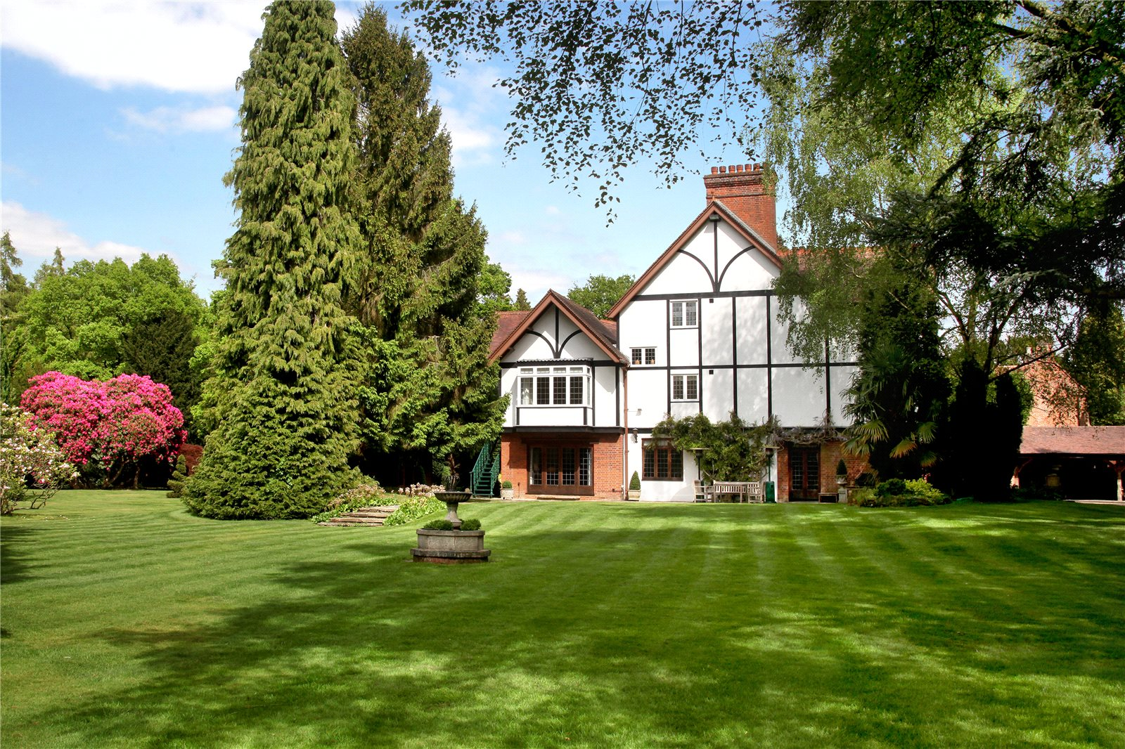 Additional photo for property listing at Bishopsgate Road, Englefield Green, Egham, Surrey, TW20 Egham, 英格蘭