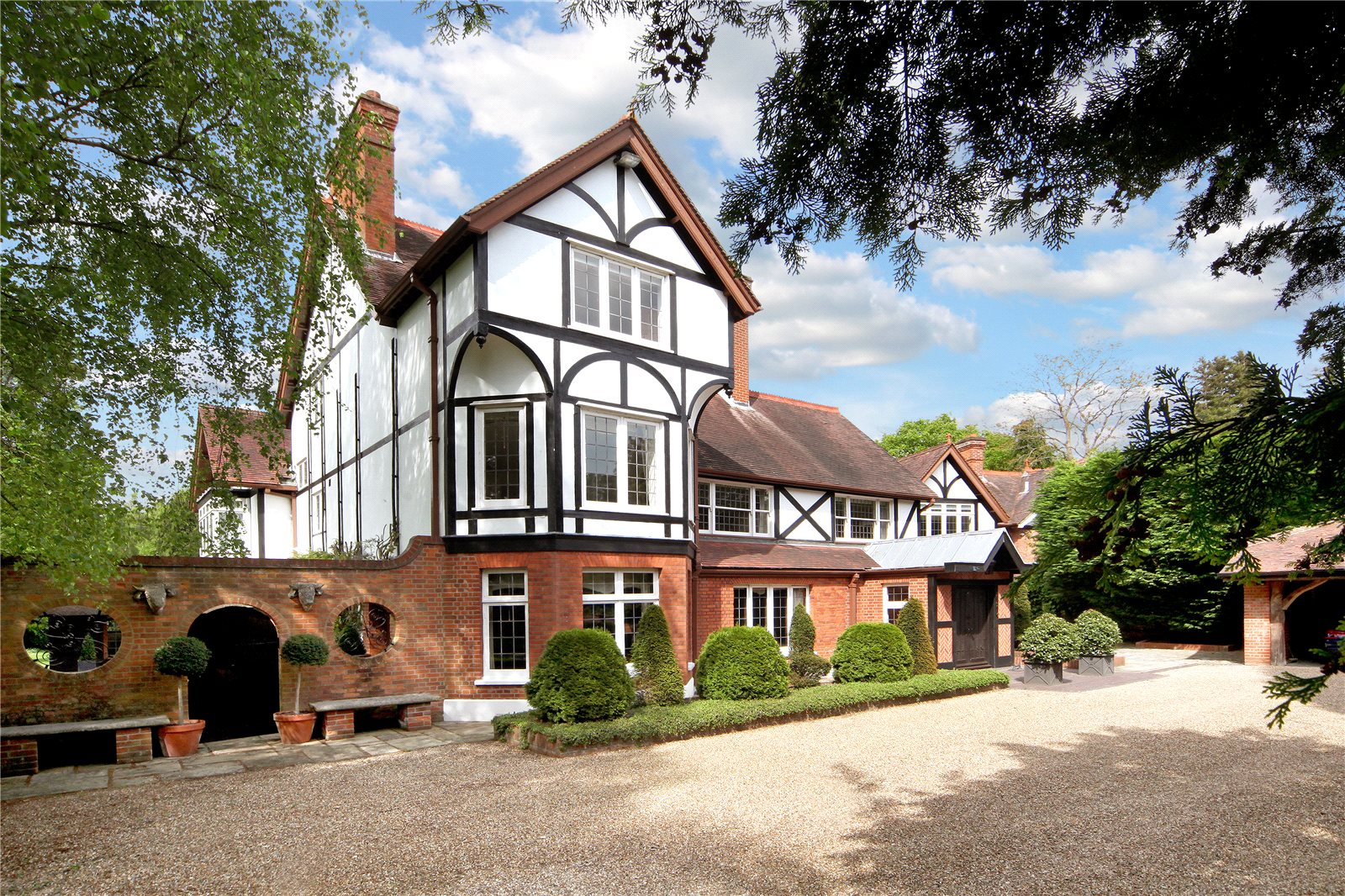 Additional photo for property listing at Bishopsgate Road, Englefield Green, Egham, Surrey, TW20 Egham, Angleterre