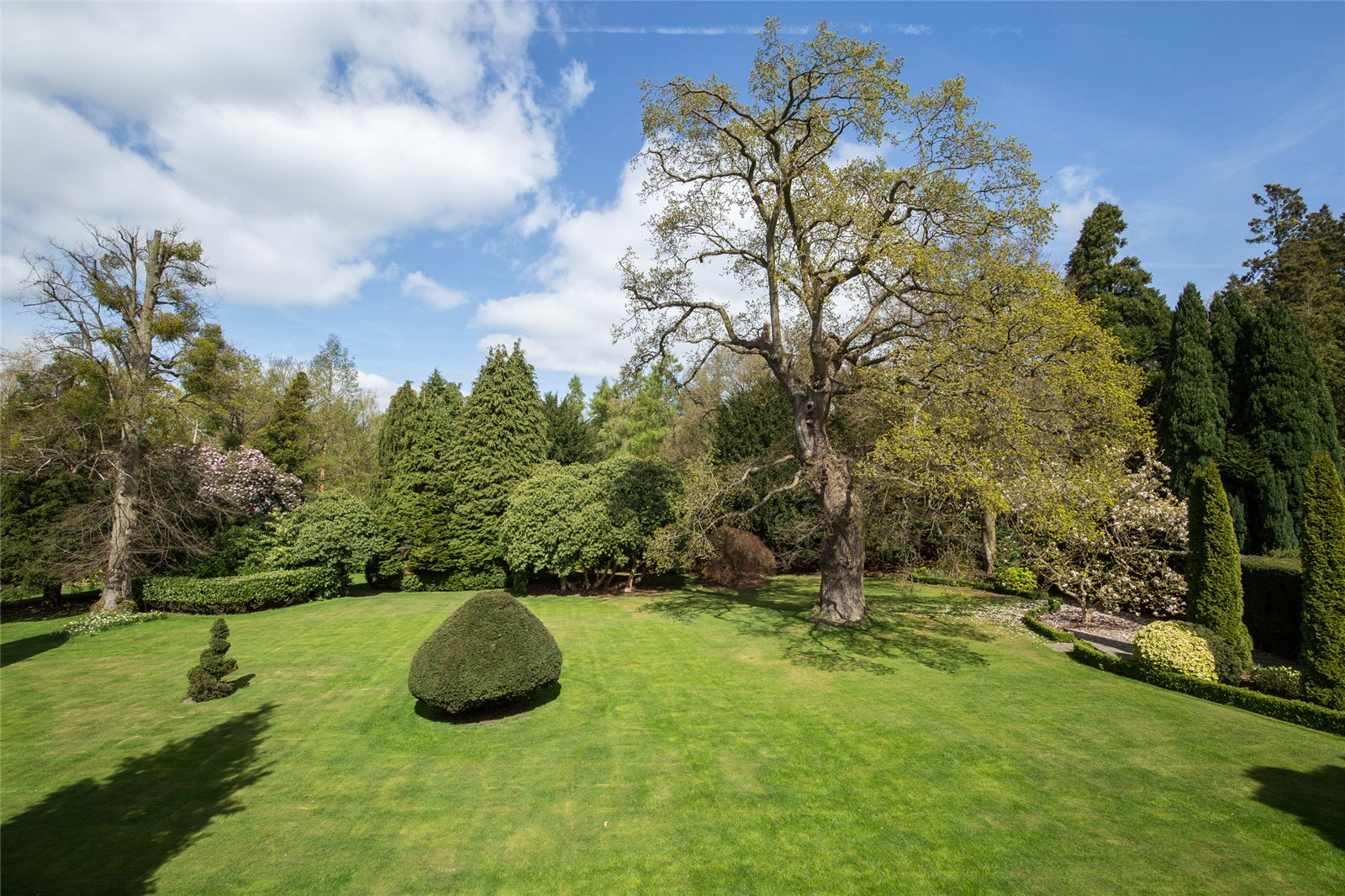 Additional photo for property listing at Bishopsgate Road, Englefield Green, Egham, Surrey, TW20 Egham, Inglaterra
