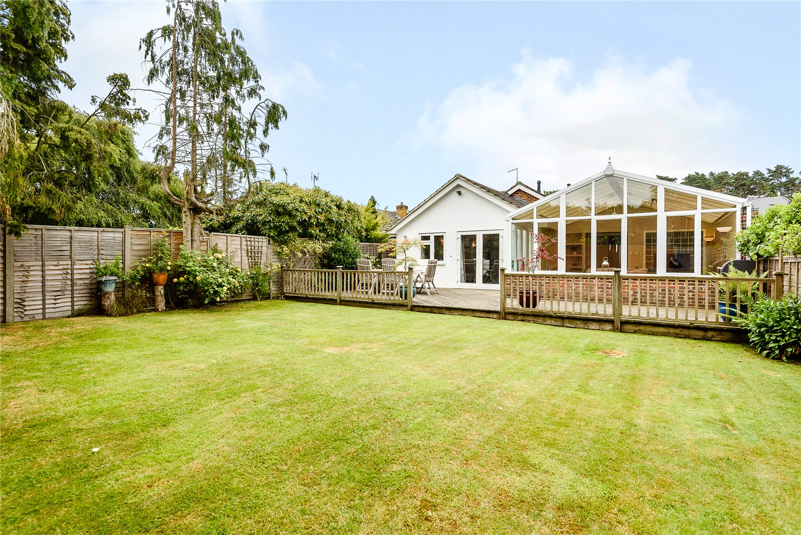 Additional photo for property listing at Kiln Lane, Winkfield, Windsor, Berkshire, SL4 Windsor, Inghilterra
