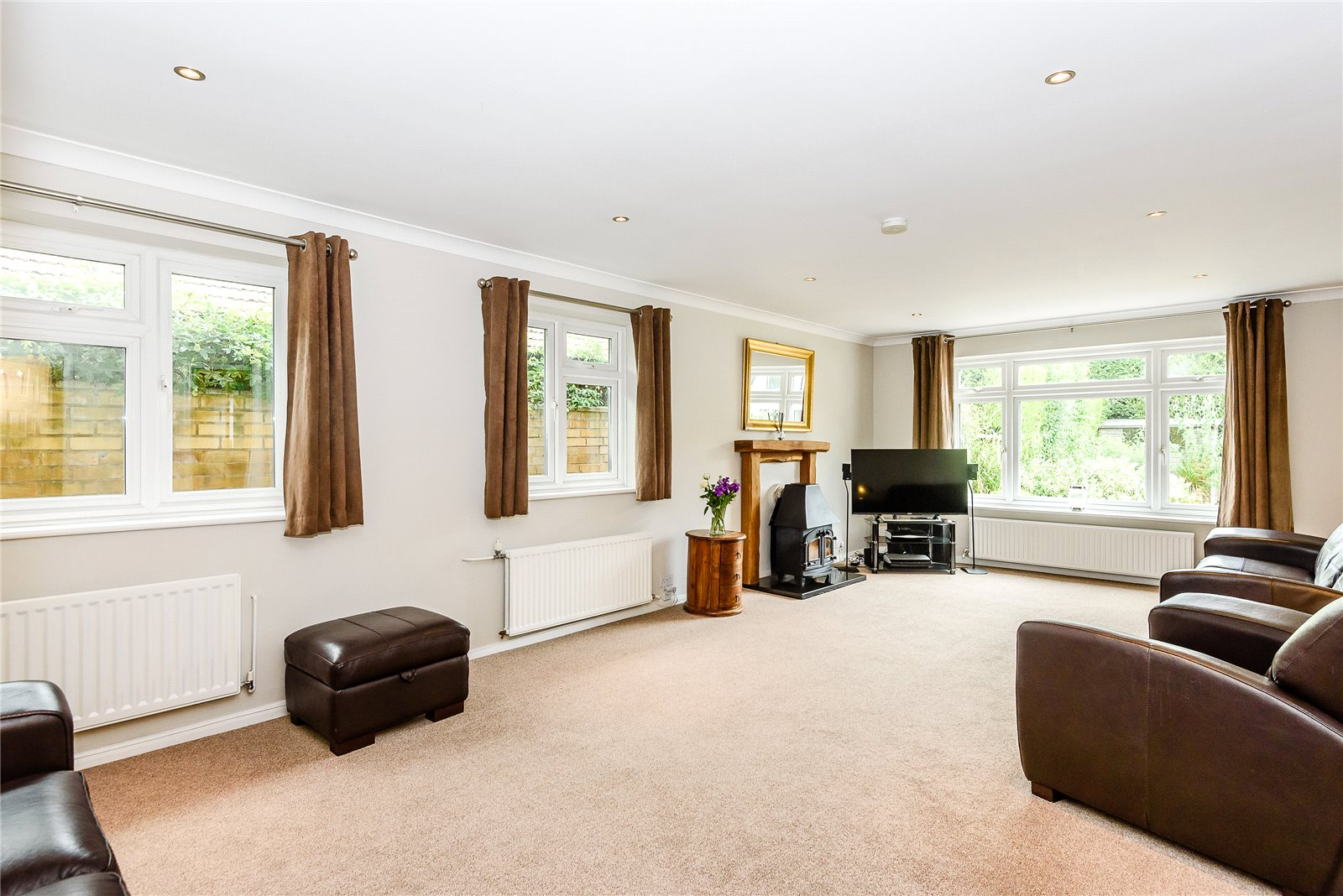 Additional photo for property listing at Kiln Lane, Winkfield, Windsor, Berkshire, SL4 Windsor, Angleterre