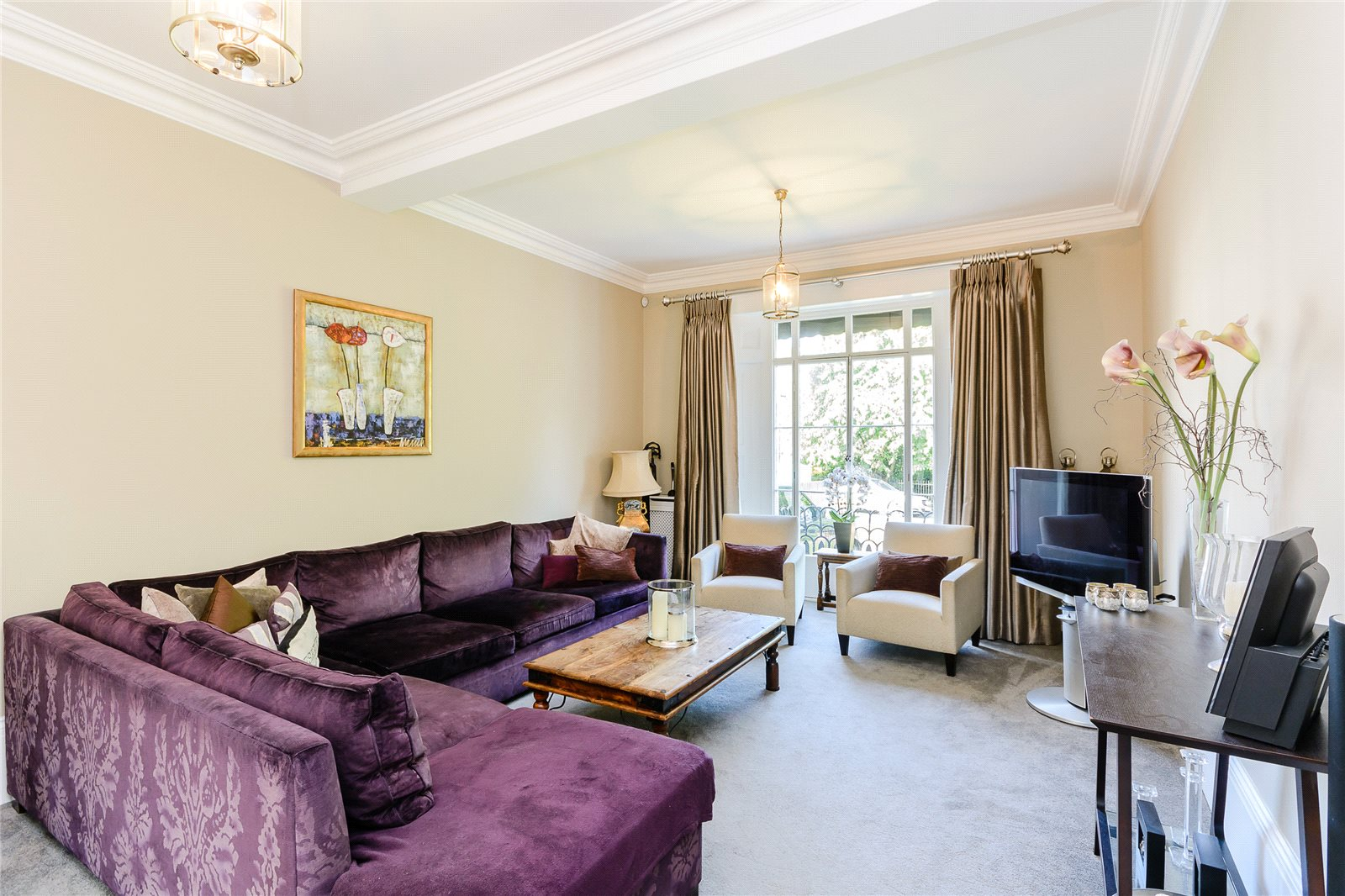 Additional photo for property listing at Clarence Crescent, Windsor, Berkshire, SL4 Windsor, Ingiltere