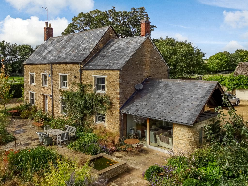 Single Family Home for Sale at Kings Sutton, Banbury, Oxfordshire, OX17 Banbury, England