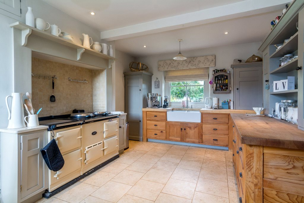 Additional photo for property listing at Kings Sutton, Banbury, Oxfordshire, OX17 Banbury, Angleterre