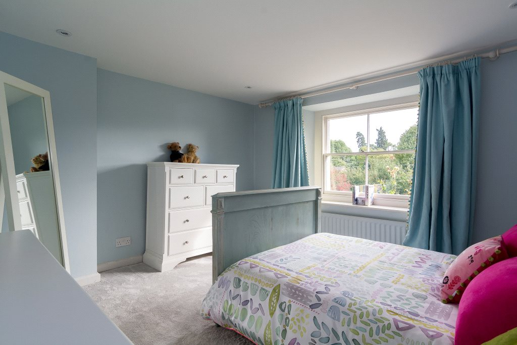 Additional photo for property listing at Kings Sutton, Banbury, Oxfordshire, OX17 Banbury, England