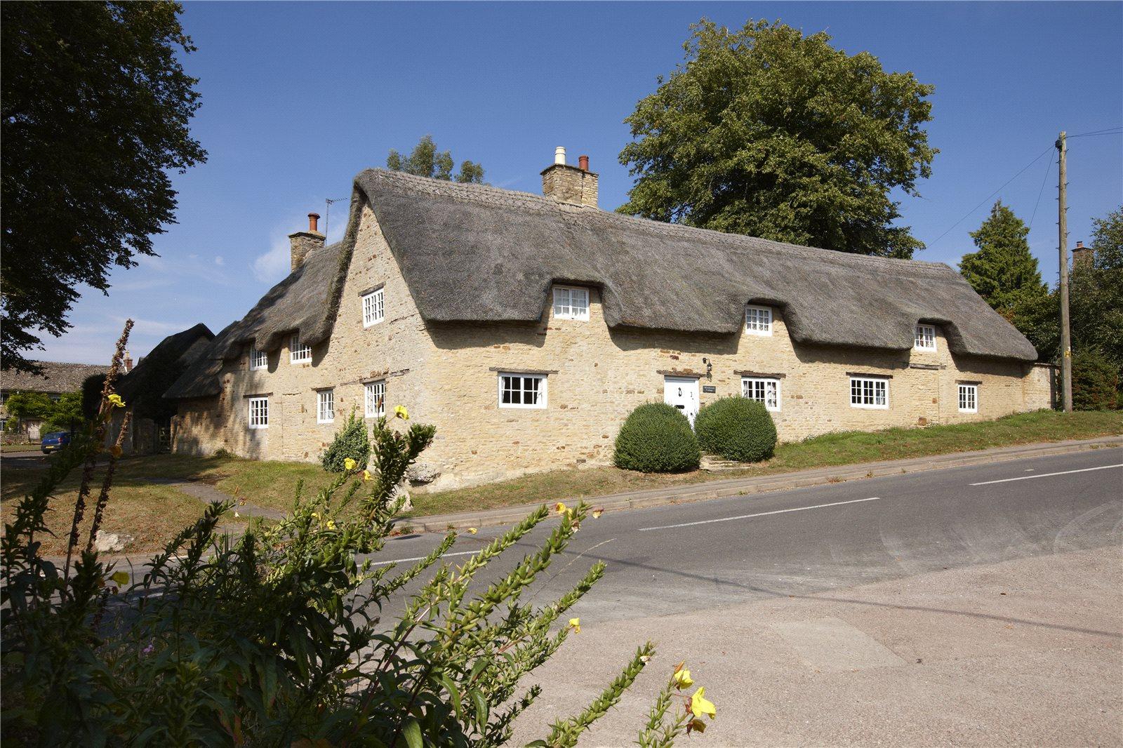 一戸建て のために 売買 アット Church Enstone, Chipping Norton, Oxfordshire, OX7 Chipping Norton, イギリス