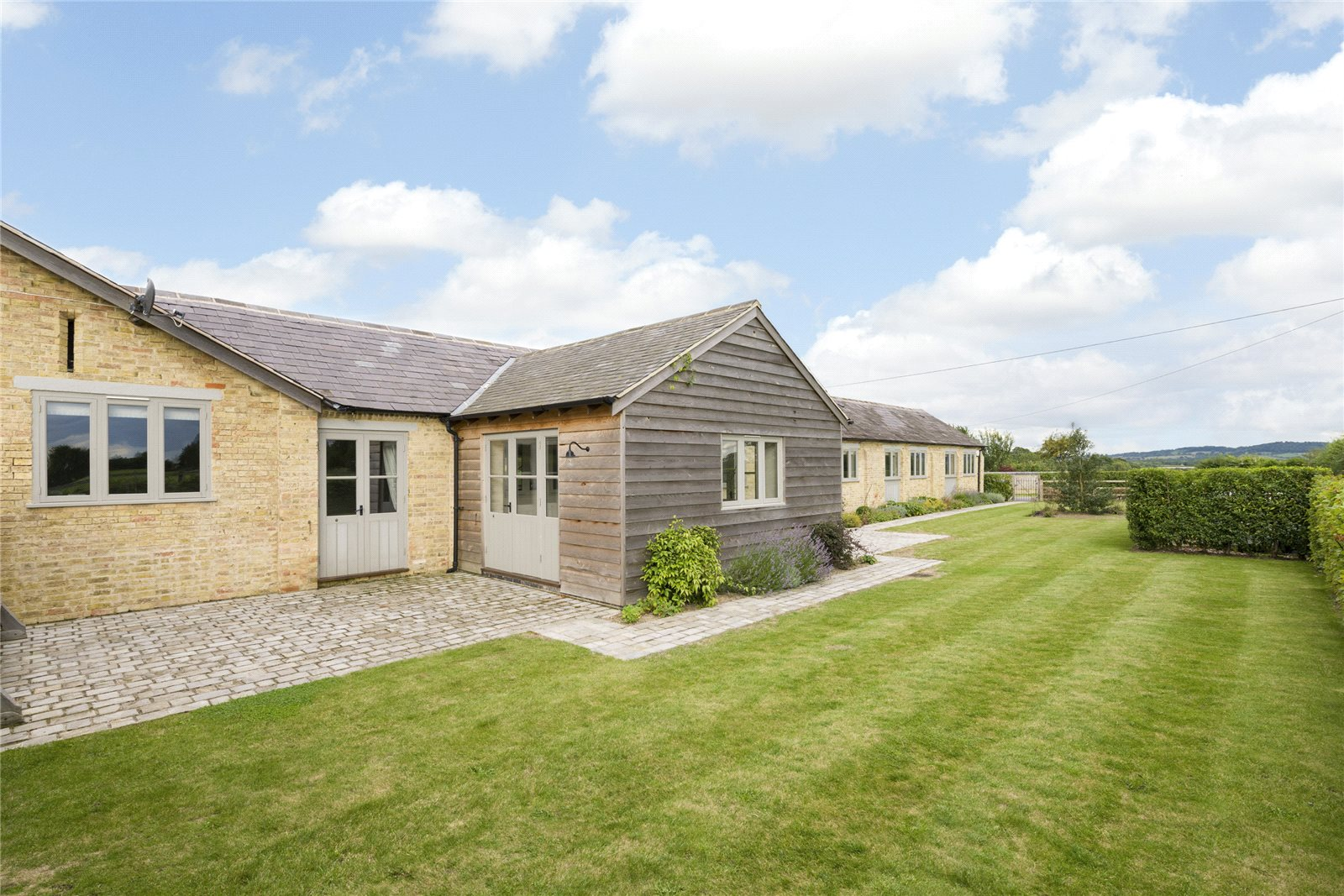 Additional photo for property listing at Chadshunt, Nr Leamington Spa, South Warwickshire, CV35 Angleterre